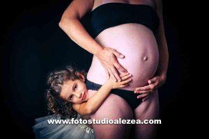fotograf in Tübingen, babybauch fotos, schwangerschaftsfotografie, schwangerschaft shooting, babybauchfotos, babybauch fotoshooting,